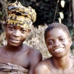 5. While I was watching the palm wine tapper, these two girls were working on some land nearby and eventually came over to greet me. Moniya, south western Nigeria, January 1982. END OF SEQUENCE
